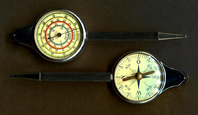 Drehbleistift mit Streckenmeßgerät für Landkarten und einem Kompass