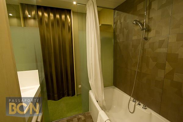 Ako Suite, Barcelona