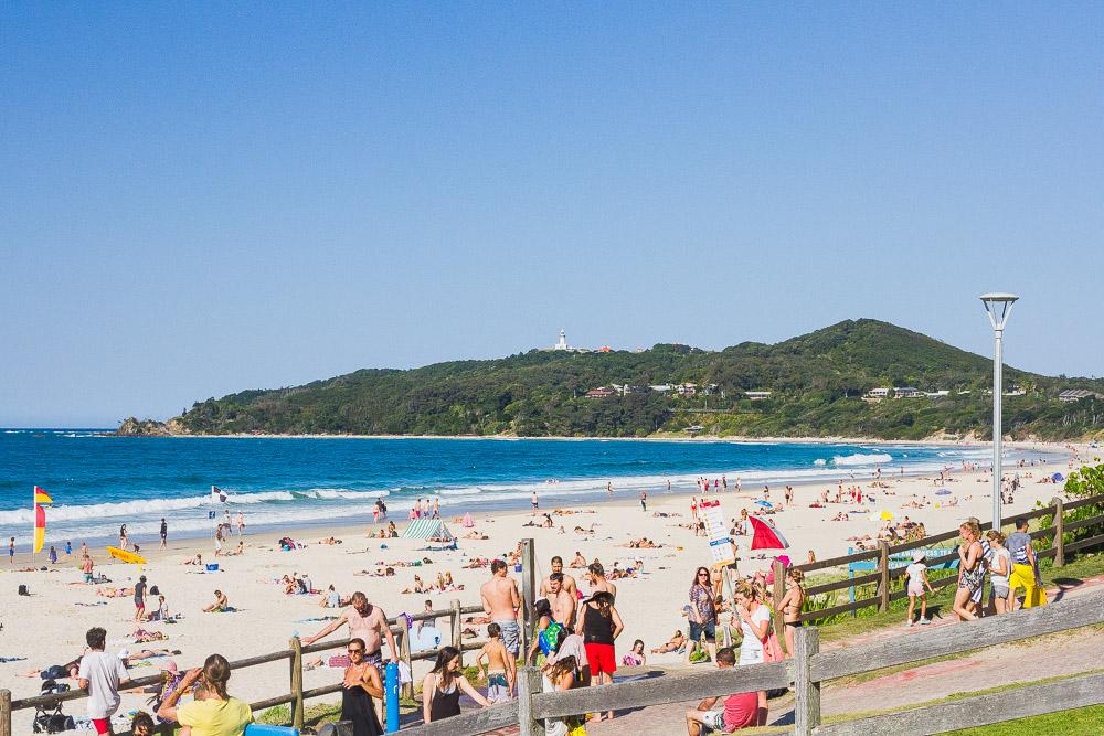 busy byron bay beach