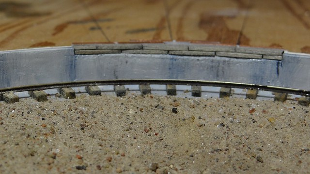 Turntable edge detail