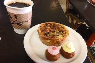 La Boulangerie - Coffee quiche choux