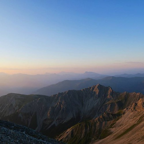 summer sunrise tirol hiking l serles visitaustria uploaded:by=flickstagram lovetirol discoveraustria bestmountainartists instagram:photo=10471486240184281777097579 instagram:venuename=serlesgipfel instagram:venue=299143500 igeraustria