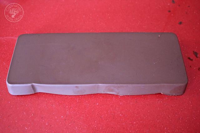 Bombones de chocolate, aove, guindilla y sal www.cocinandoentreolivos.com (10)