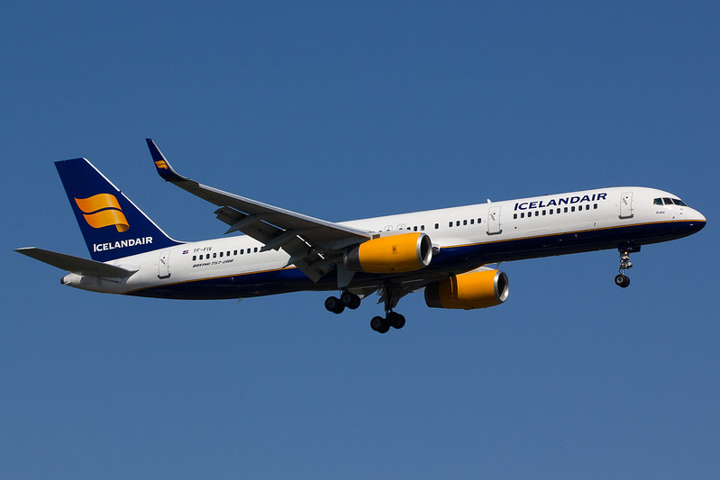 Icelandair - B752 - TF-FIV (1.5)