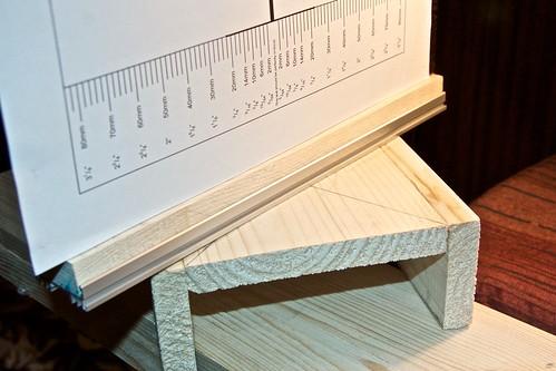 Оптическая скамья для настройки фототехники: поворотная мишень