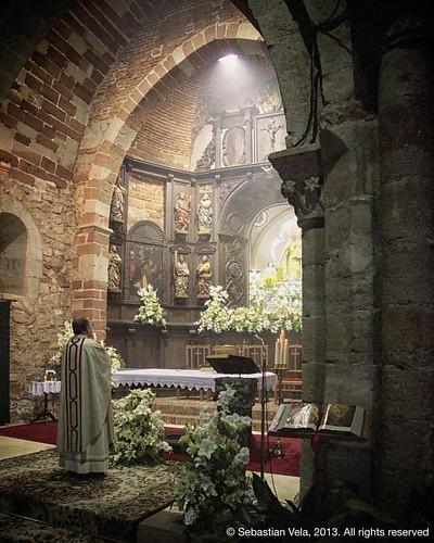 Mass in the church of Santa Maria del Collado. Santisteban del Puerto, Spain.   #patrimonio #jaen #patrimoniohistorico #monument #church #santisteban #santistebandelpuerto #andalusia #andalucia #spain #architecture #travel #travelphotography #europe #trad