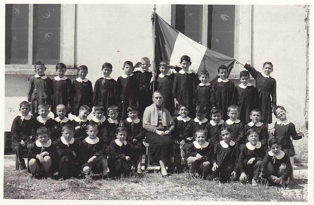Casamassima-La Scuola Elementare Guglielmo Marconi compie ottanta anni-03_ A.S. 1957-58 - insegnante Teresa Cessa Scamarcio
