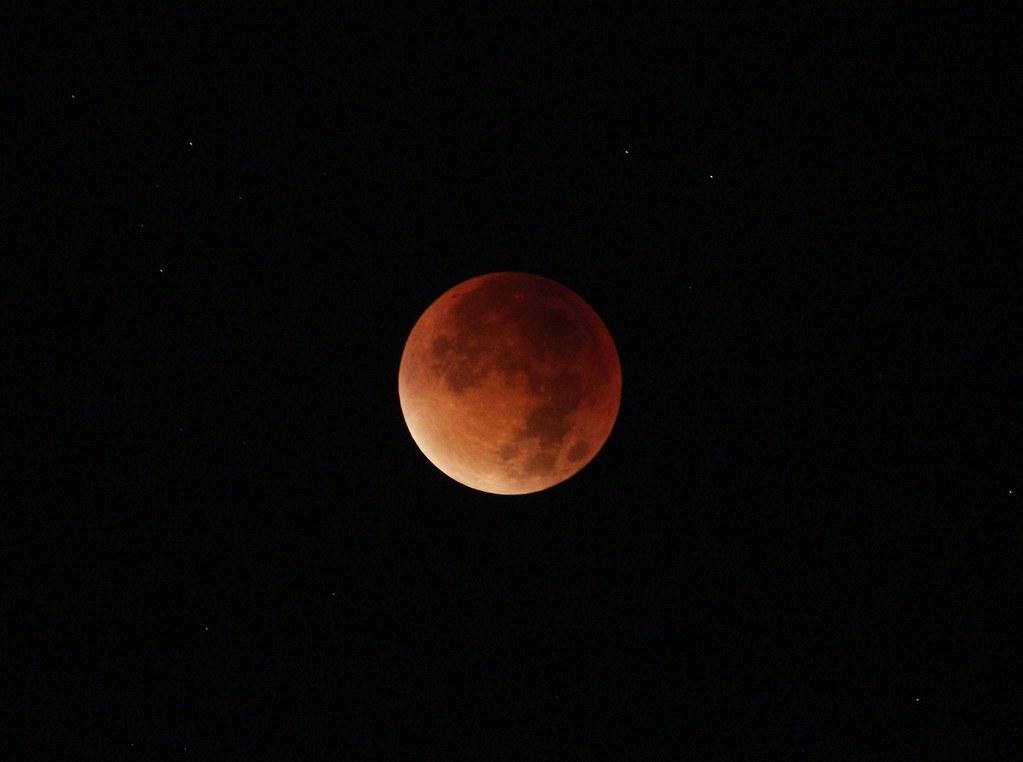 Totale Mondfinsternis 2015 Sep 28, 2:38 UT