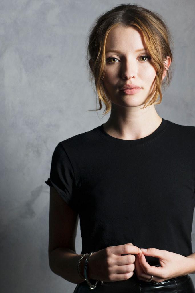 Эмили Браунинг — Фотосессия для «Легенда» на «TIFF» 2015 – 2