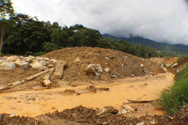 El río contaminado - San Marcos- Tundayme