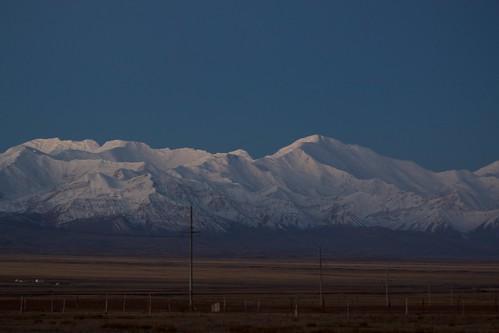 travel viaje sunset snow landscape atardecer asia nieve paisaje snowcapped silkroad paysage centralasia kyrgyzstan range cordillera pamir asiacentral rutadelaseda kirguistan