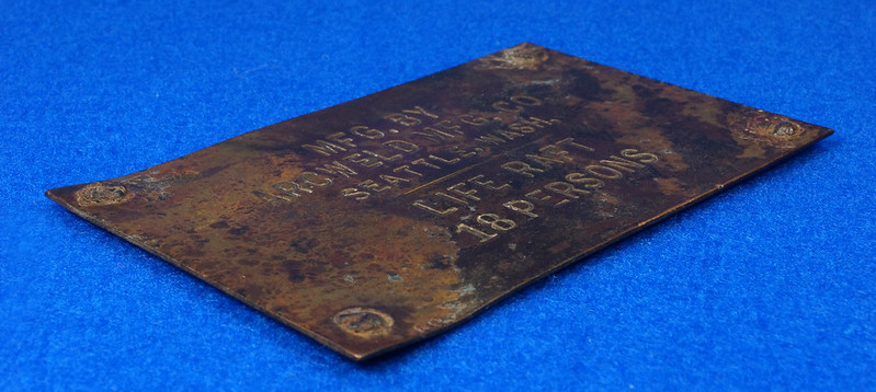RD12929 Vintage Brass Plate Arcweld Mfg. Co. Seattle Wash. Life Raft 18 Persons DSC06610