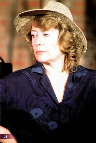 Annie Girardot in Le Vent des moissons (1988)