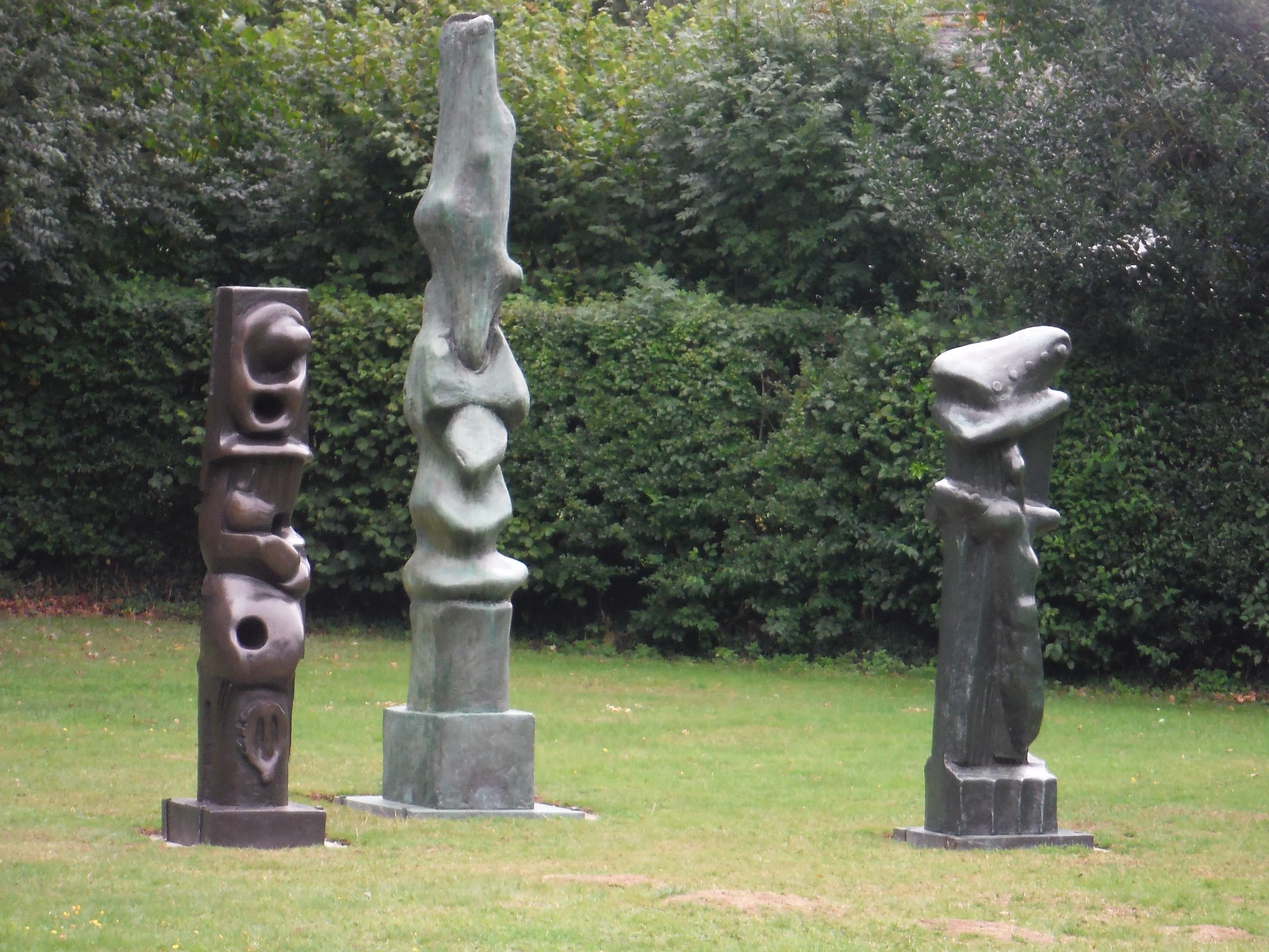 Upright Motives No. 5, No. 7 & No. 8 (1955-56) SWC Walk 164 Roydon to Sawbridgeworth via Henry Moore Foundation