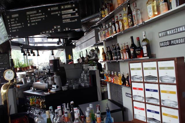 Intérieur du bar Powisle à Varsovie.