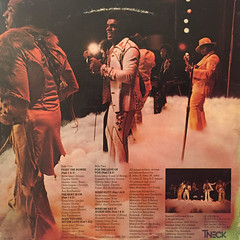 THE ISLEY BROTHERS:THE HEAT IS ON(JACKET B)