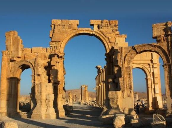 Destrucción del Arco en Palmira muestra