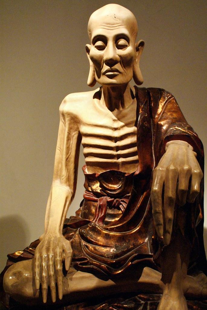 Bouddha mourant au Musée des beaux arts d'Hanoi au Vietnam.