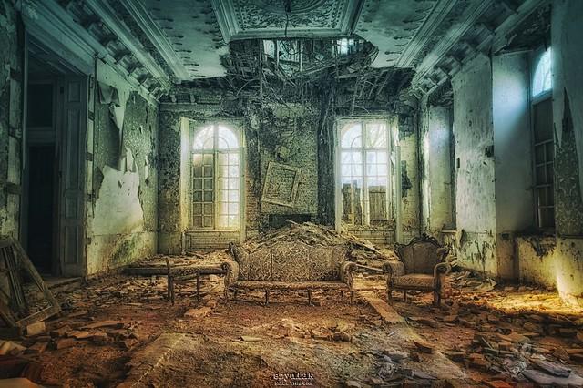 as palaces burn