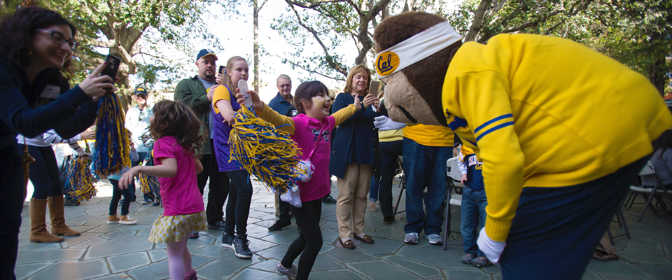 February 6, 2016 - 12:20pm - February 06, 2016; Berkeley, California, USA;  CAA Family Hoops Party at Alumni House. Photo credit: Kelley L Cox - KLC fotos for the California Alumni Association
