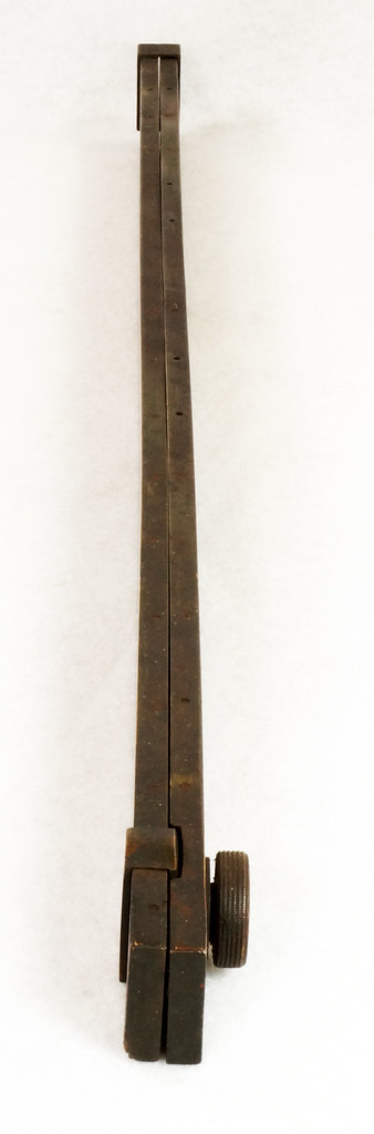 RD14826 Antique Sliding Yardstick ES & Co.  38 inch Brass Sides, Ends and Hardware DSC06563