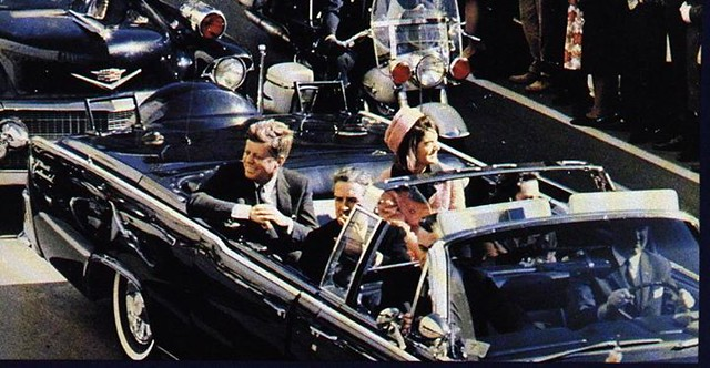 #John F. Kennedy and Jacqueline's motorcade in Dallas, Tx. November 22, 1963 [924 x 479] #history #retro #vintage #dh #HistoryPorn http://ift.tt/2ghd9mD