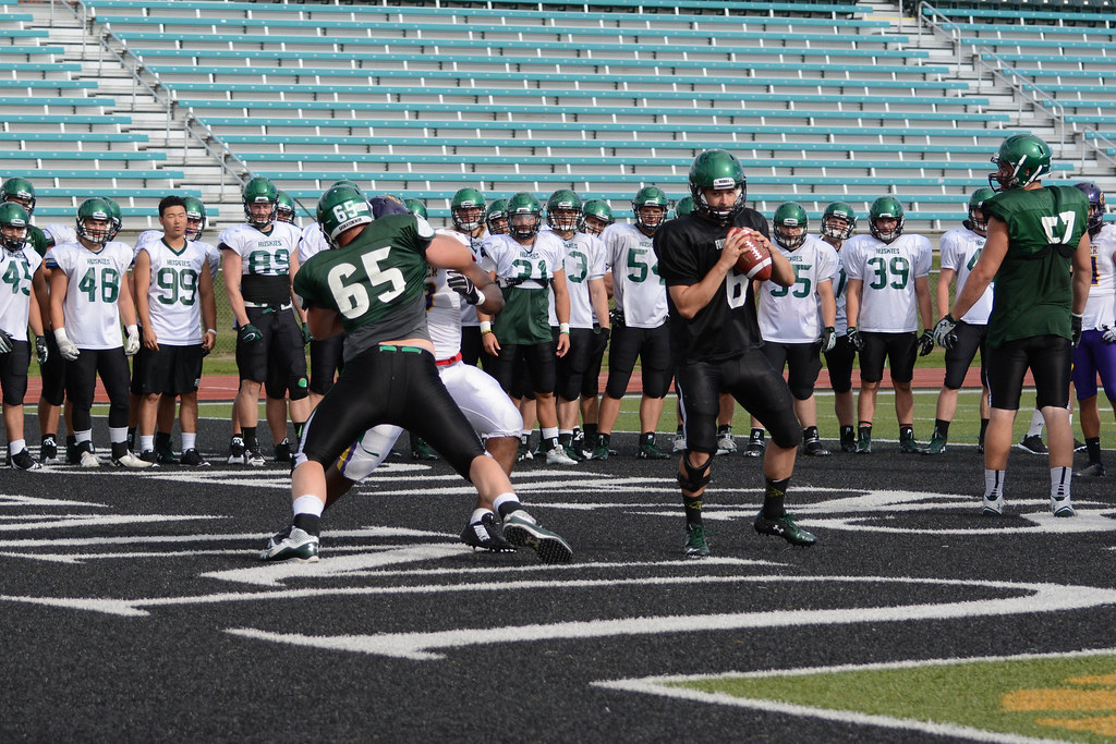 Huskies hold joint practice with Golden Hawks
