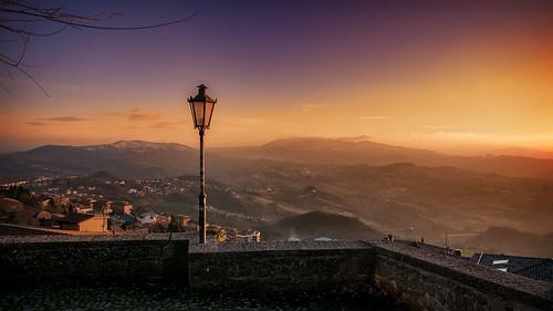 sunset italy castle sunrise san italia tramonto cielo colori marino forte rsm caastello guaita