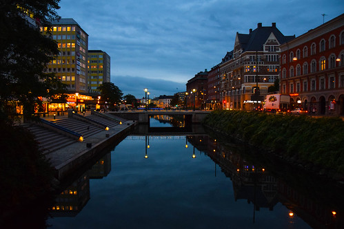 street city bridge autumn light sky water reflections skåne europe sweden outdoor malmö streetview buidlings citylight södertull