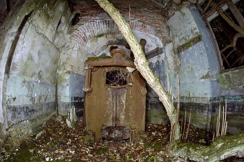 Chateau de la Mothe-Chandeniers boiler