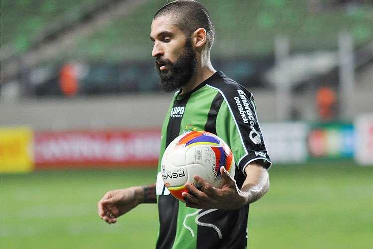 Jogador do Am�rica/MG nega que tenha assinado pr�-contrato com outro time
