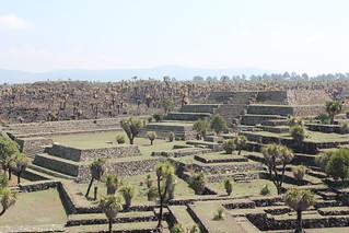 Imagen de Cantona. mexico mesoamerica pyramid pyramids roads acropolis puebla precolumbian residences prehispanic patios cantona 2015 archaeologicalsite ballcourts