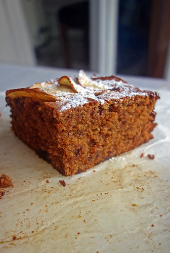 spiced toffee apple cake6
