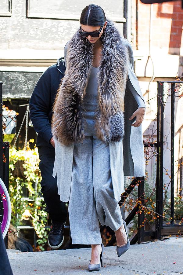 Kendall Jenner Leaving Smile Cafe in SoHo