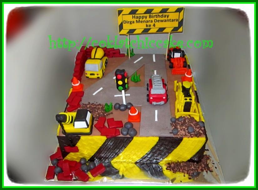 Cake buldozer, truk semen molen, traktor, crane, dan pemadam kebakaran