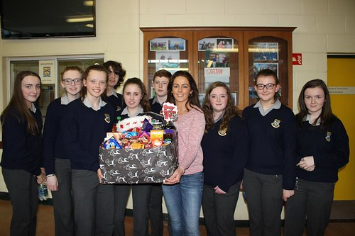 Mrs Deeney Class teacher 3N winners of The Hamper Competition.