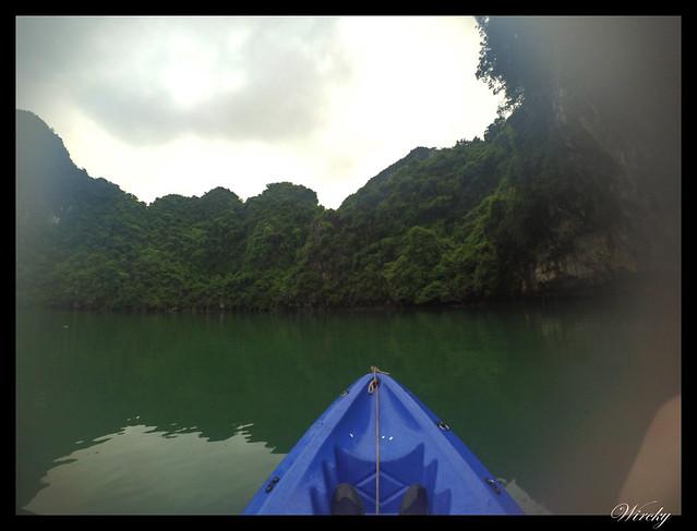 Viaje a Vietnam - Kayak en la bahía de Halong