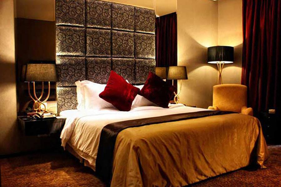 Dengan Interior Manis Bernuansa Beludru Dan Lampu Yang Temaram Nuansa Hotel Ini Sungguh