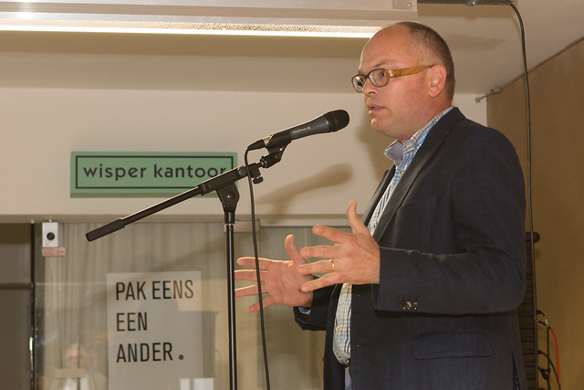 Voorstelling dichtbundel 'Nachtjaponnen' van Martinus Buekers