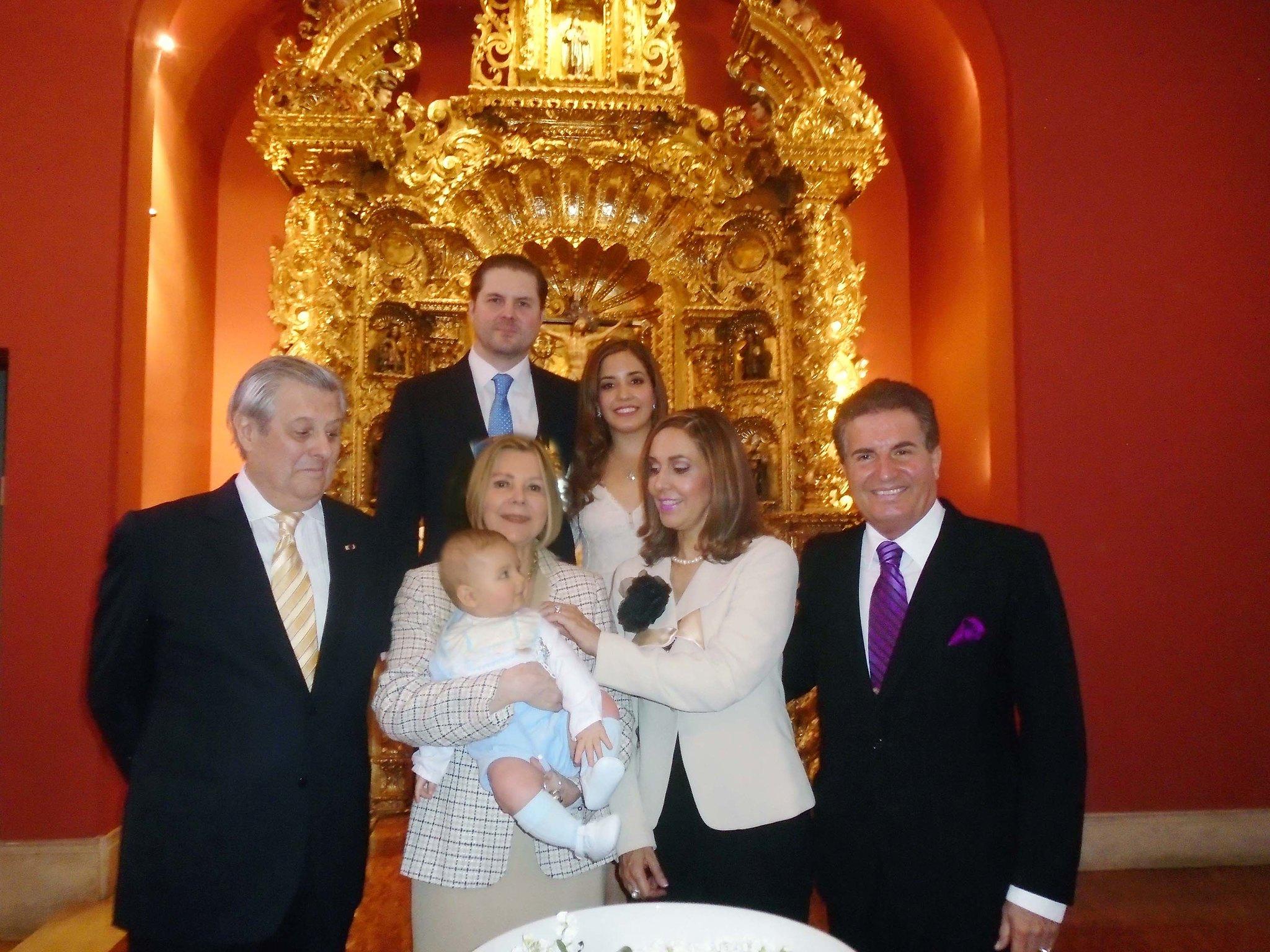 Bautizo del nieto de dos Ministros