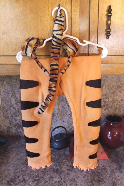 Costume leggings, after