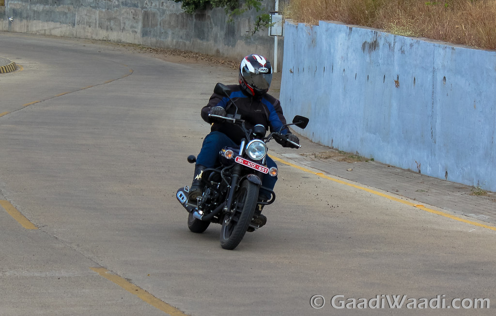 Bajaj-Avenger-Street-150 (18)