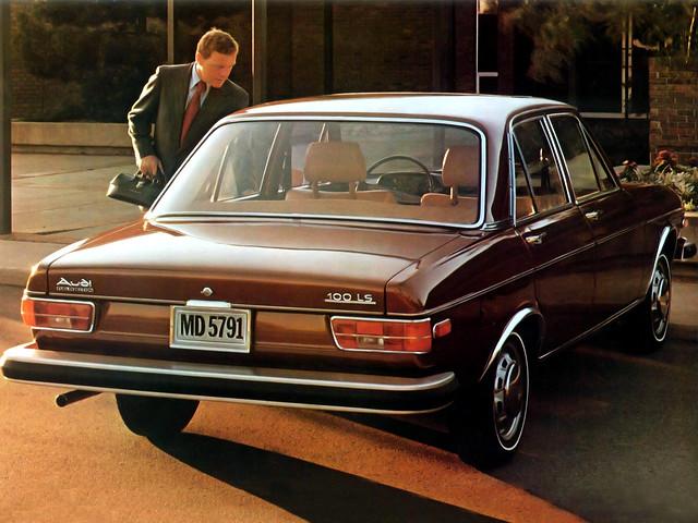 Седан Audi 100 LS C1 для рынка США. 1973 – 1976 годы