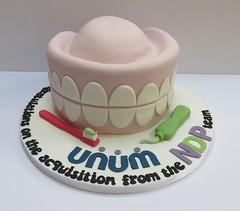 dentist cake unum
