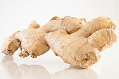 FOOD TIP: How to Peel that Papery Skin from Ginger