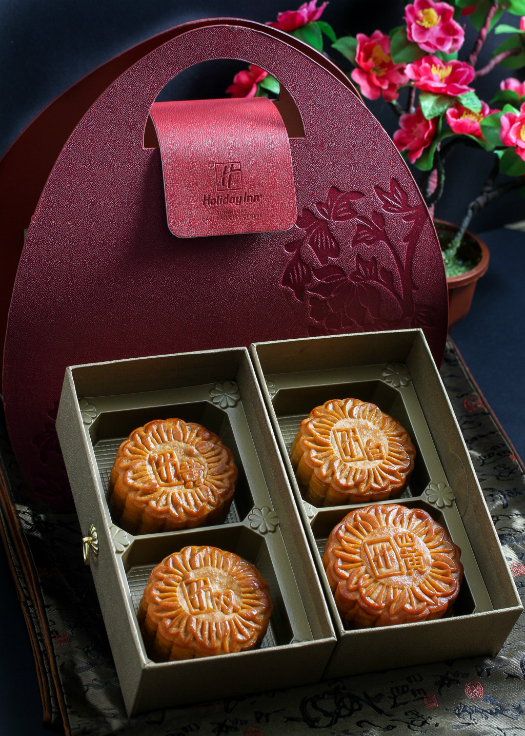 Mid-Autumn Festival Mooncake: Holiday Inn Singapore Orchard City Centre