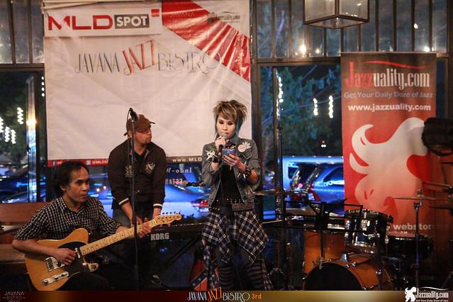 Javana Jazz Bistro 3rd - Caroline-Johnny-Erick