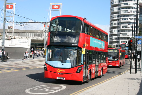 Metrobus WHV49 on Route 119, East Croydon
