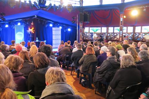 Peter Singer - crowd