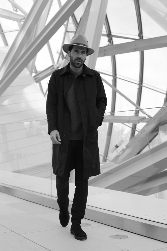 _manlul_miguel_carrizo_paris_louis_vuitton_foundation_frank_gehry_architecture_raceu_hats_h&m_pedro_garcia_shoes_1